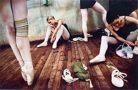 """Åsa sjöström, ur serien """"moldova ballet"""", 2005."""