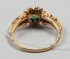 Ring, guld och smaragd och diamanter.