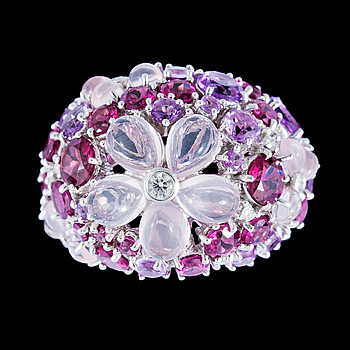 1029. A multi coloured precious stone, 12 cts, and brilliant cut diamond ring, tot. 0.29 cts.