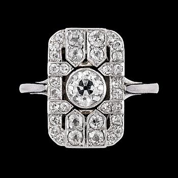 1036. An Art Deco diamond ring, tot. app. 3.25 cts.