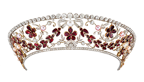 An important diamond kokoshnik style tiara and diamond rivière, tot. app 40 cts. dragsted, copenhagen 1930's.