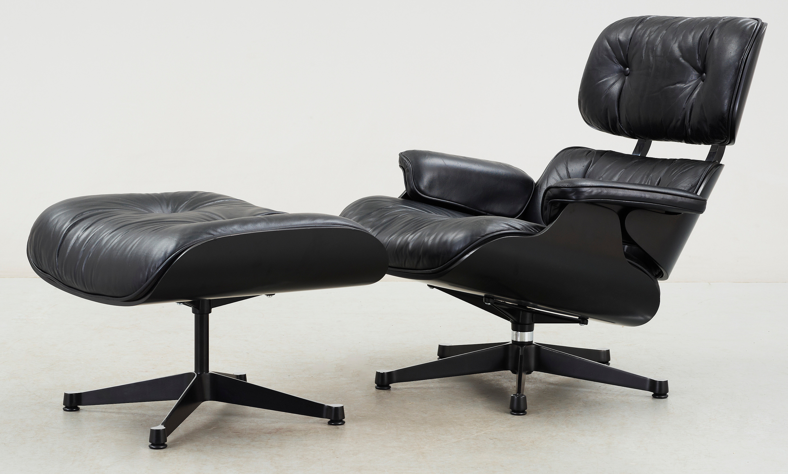 Wondrous Fatolj Med Ottoman Charles Ray Eames Lounge Chair Alphanode Cool Chair Designs And Ideas Alphanodeonline