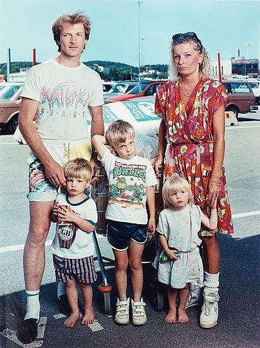 """Anders kristensson, """"familjen matsson, b&w stormarknad, göteborg"""", 1992 (the  matsson family, b&w supermarket, gothenburg)."""