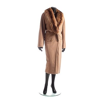 369. MAX MARA, a beige wool and cashmere coat with removable fur collar.