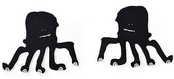 """15. LAMPOR, ett par, """"Bläckfisk"""", design Antti Eklund, svartmålad aluminium sandwich."""