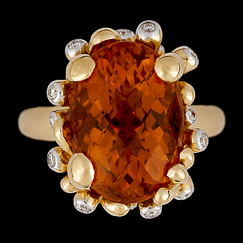 8. RING, checkerslipad citrin med briljantslipade diamanter, tot. ca 0.18 ct.
