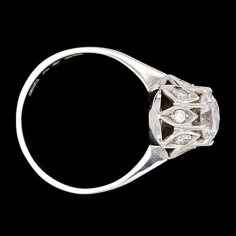 A brilliant cut diamond, 1.45 cts, and smaller app. 0.15 cts
