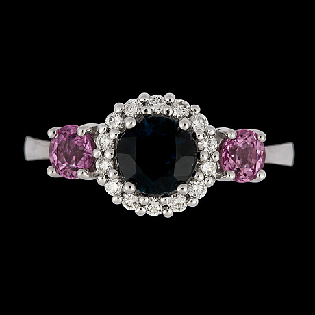 A pink and blue sapphire, tot. 2 cts, and diamond ring, tot. 0.25 cts.