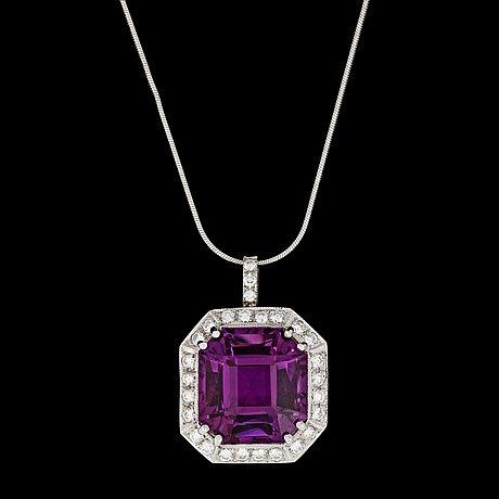An amethyst and brilliant cut diamond pendant, tot. app. 1.50 cts.