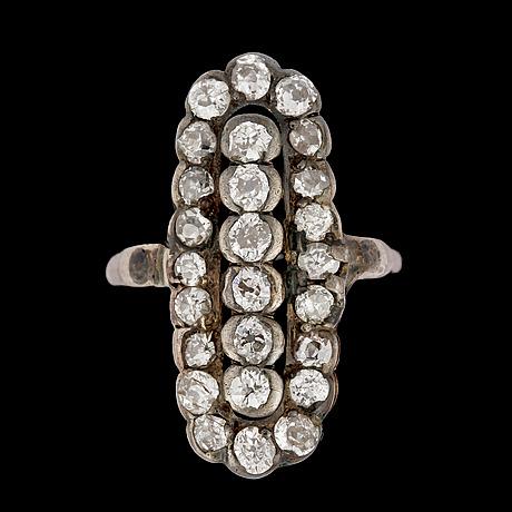 An antique cut diamond ring, tot. app. 1.50 ct.