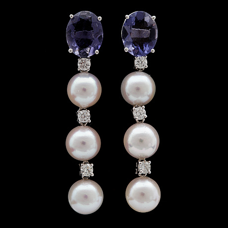 A pair of culture pearl, iolites and brilliant cut diamond earrings, tot. app. 0.50 cts.