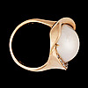 A mabe pearl and brilliabnt cut diamond ring, tot. app. 0.18 cts.