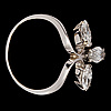 Ring, tre navetteslipade diamanter, tot. 1.90 ct.