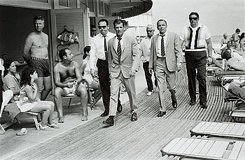 212. Terry O'Neill, Frank Sinatra, Miami Beach, 1968.