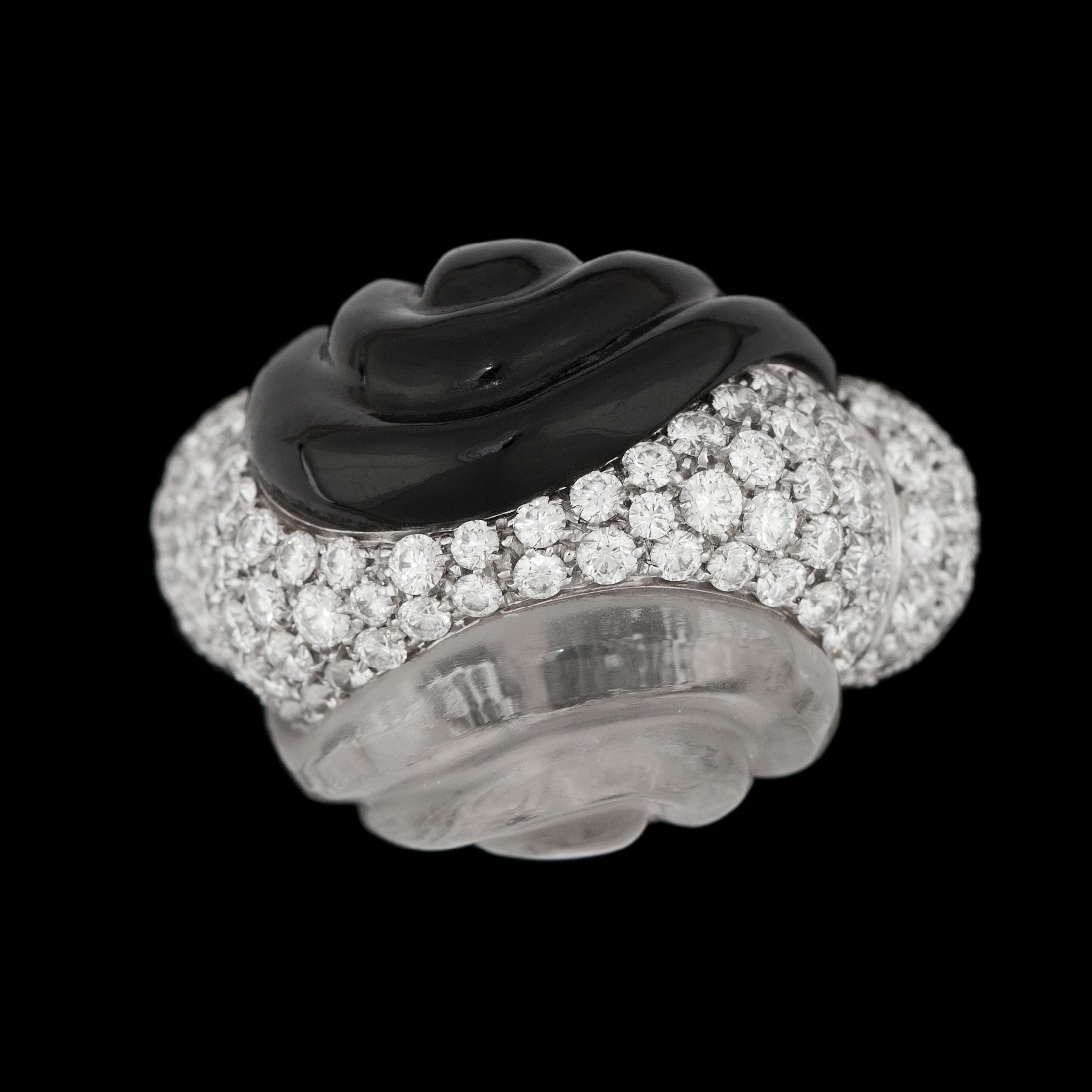 A rock crystal, onyx and brilliant cut diamond ring, tot