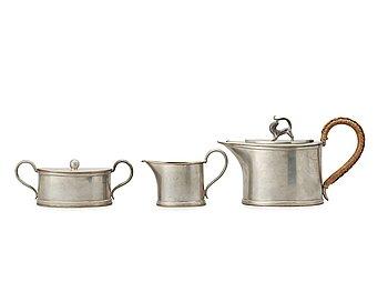 473. NILS FOUGSTEDT, sannolikt, kaffeservis, 3 delar, Firma Svenskt Tenn, Stockholm 1925.