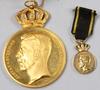 """Medalj, guld 18-23 k, """"kungl patriotiska sällskapet"""", 1900-talets första hälft. vikt 48 gram."""