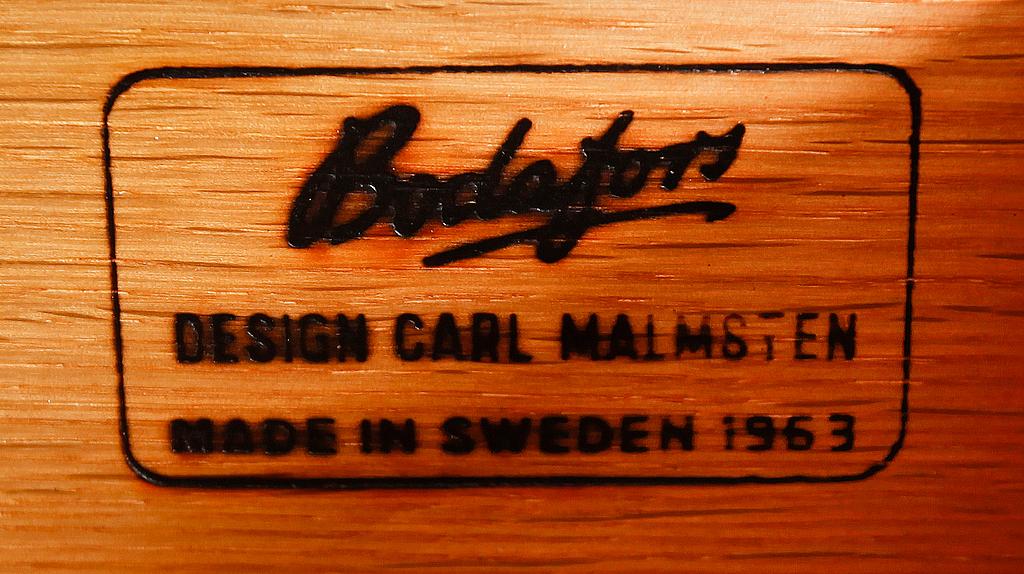"""SKÅP, """"Herrgården"""", Carl Malmsten, 1900-talets mitt."""