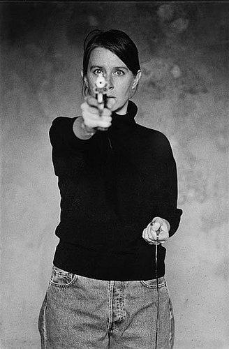 """Cecilia edefalk, """"självporträtt med pistol"""", 1993."""
