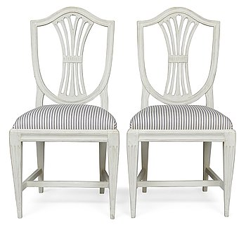 10. A PAIR OF CHAIRS.