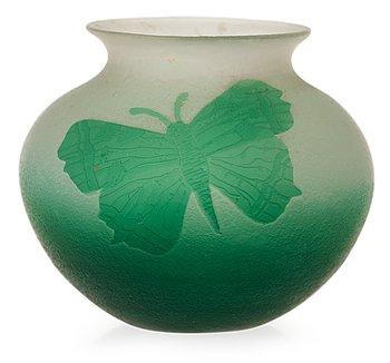 825. A Karl Lindeberg Art Nouveau cameo glass vase, Kosta, Sweden.