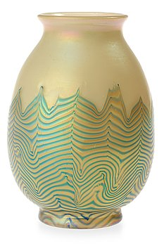928. An opalescent glass vase, Loetz, 1920's.