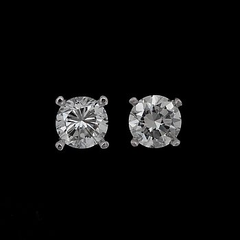 A pair of brilliant cut diamond earrings, app. 0.50 ct each. 18k white gold.