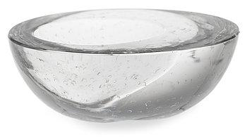 16. Timo Sarpaneva, A GLASS SCULPTURE, 3865.