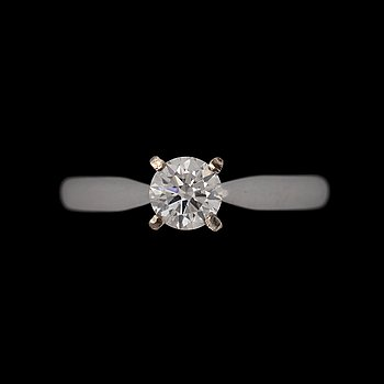 A birilliant cut diamond ring, app. 0.50 ct. 18k white gold. Size 17.25/53.