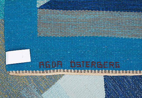 Carpet. flat weave (rölakan). 402,5 x 290 cm. signed aö woven as well as agda österberg embroidered at the back.