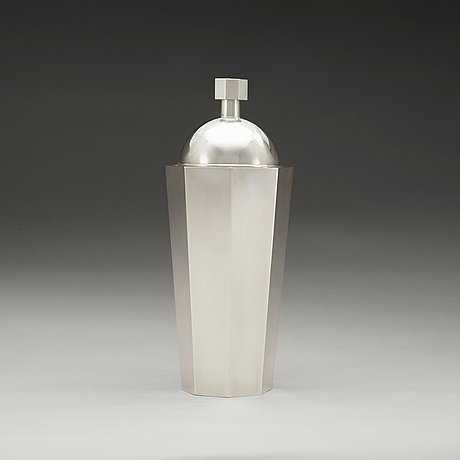 A wiwen nilsson sterling cocktail shaker, lund 1947.