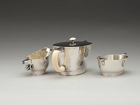 A wolter gahn three pcs silver tea service, executed by karl wojtech, stockholm 1925.
