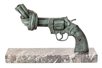 "312. Carl Fredrik Reuterswärd, ""Non violence""."
