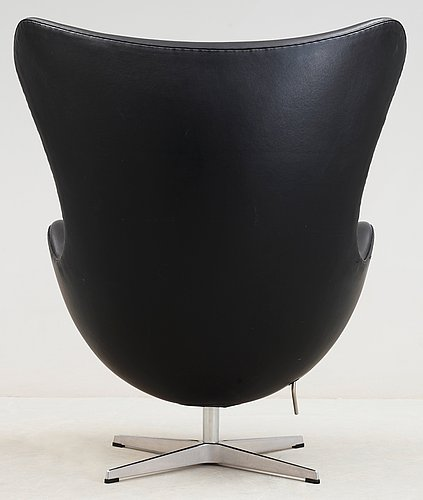 An arne jacobsen black leather 'egg' chair, fritz hansen, denmark 2007.
