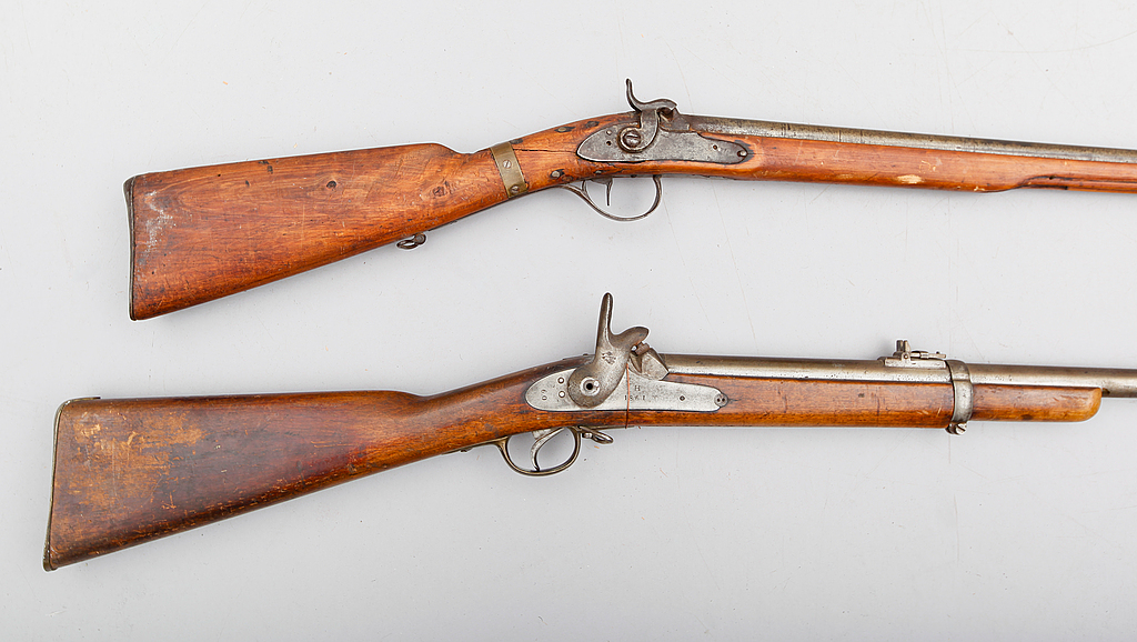GEVÄR, 2 st, slaglås, 1800-tal.