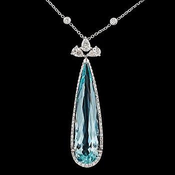 5. An aquamarine and diamond necklace. Diamonds total carat weight 1.59 cts. Aquamarine 12.55 cts.