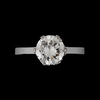 6. RING med briljantslipad diamant 1.74 ct enligt gravyr. Kvalitet ca H/VVS2.
