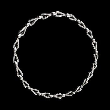 4. HALSSMYCKE med 275 st briljantslipade diamanter totalt ca 4.00 ct.