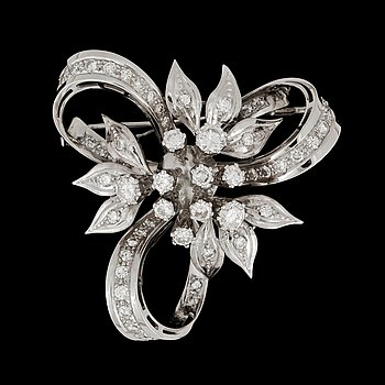9. BROSCH med briljantslipade diamanter, totalt ca 2.00 ct.