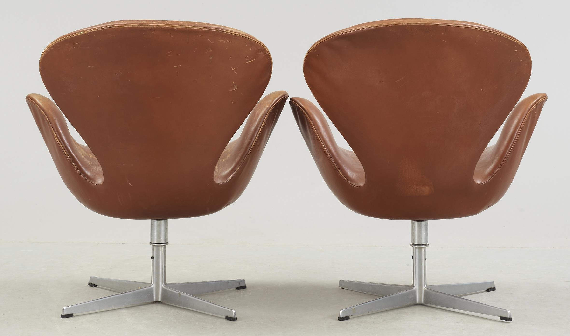 Pleasing A Pair Of Arne Jacobsen Brown Leather Swan Chairs Fritz Evergreenethics Interior Chair Design Evergreenethicsorg