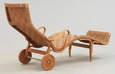 A bruno mathsson lounge chair, firma karl mathsson, värnamo, sweden 1950's.