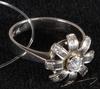 Ring. 18k vitt guld med briljanter, 0.28 ct enl gravyr.