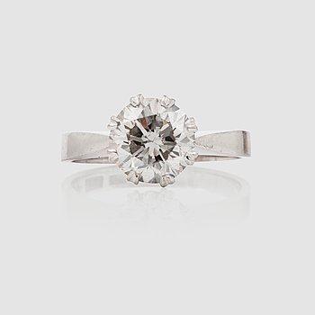 1130. RING med gammalslipad diamant ca 2.15 ct.