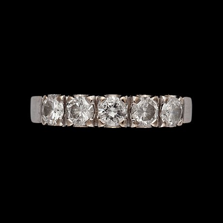 A brilliant-cut diamond eternity ring. total carat weight circa 1.00 ct.