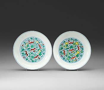 288. A pair of doucai dishes, Republic with Yongzhengs six character mark within double circles.