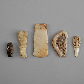 207. A set of five carved nephrite objects, Qing dynasty (1664-1912).