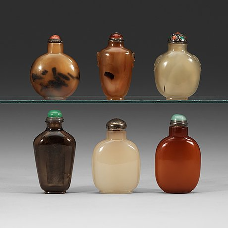 A set of five agate and one smokey quarts snuff bottles, late qing dynasty (1644-1912).