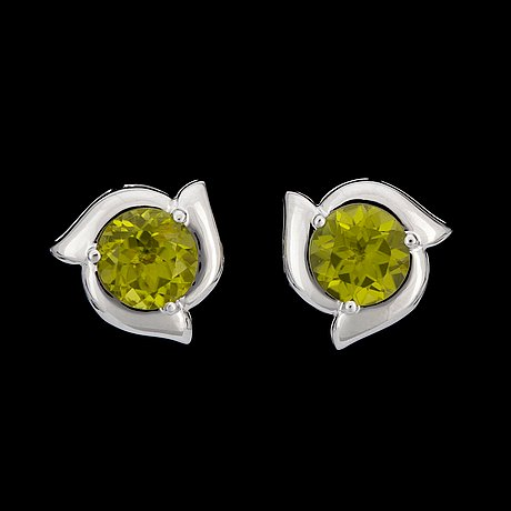 A pair of peridot, 5.86 cts in total, earrings.