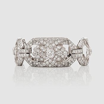 1433. An Art Déco old-cut diamond bracelet, circa 13.00 cts in total.
