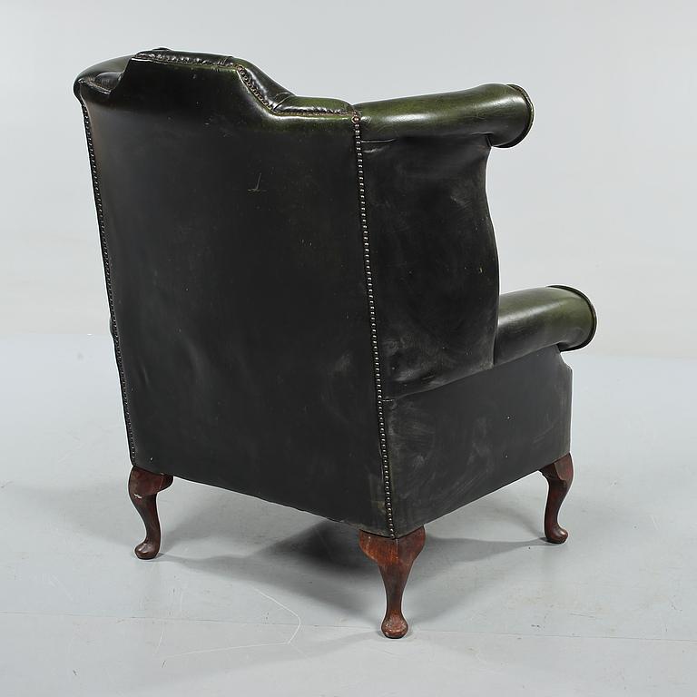 engelsk fåtölj skinn ~ fÅtÖlj, engelsk stil, 1900talets andra hälft  bukowskis